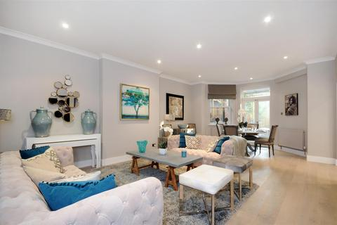 3 bedroom apartment to rent - Fitzjohn's Avenue, Hampstead, NW3