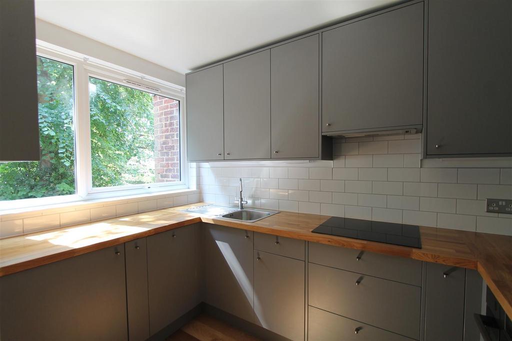 Modern fitting kitchen