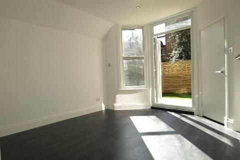 3 bedroom flat to rent - Holmdale Road, West Hampstead NW6