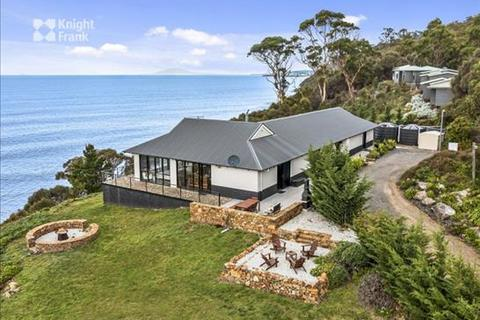 11 bedroom house - 12164 Tasman Highway, Rocky Hills, TAS 7190