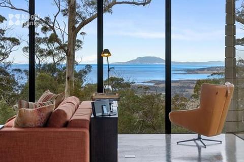 1 bedroom house - 11901 Tasman Highway, Rocky Hills, TAS 7190
