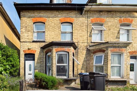 4 bedroom semi-detached house for sale - Osborne Road, Broadstairs, CT10