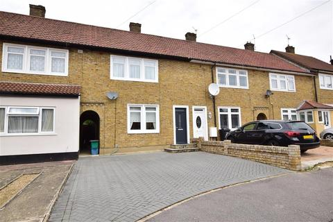 2 bedroom terraced house for sale - Tine Road, Chigwell, Essex