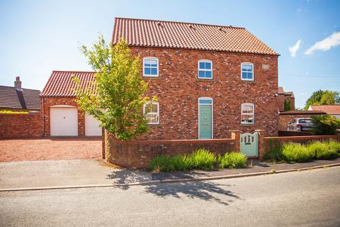 5 bedroom detached house to rent - Riccall Lane, Kelfield, York, YO19