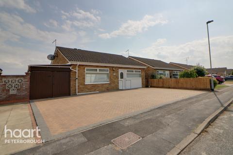 3 bedroom detached bungalow for sale - Barham Close, Peterborough