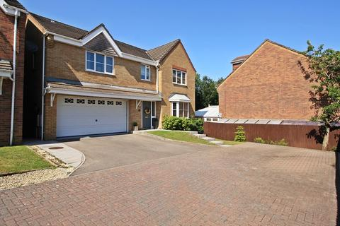 5 bedroom detached house for sale - Sovereign Gardens, Miskin, Pontyclun, Rhondda, Cynon, Taff. CF72 8SZ