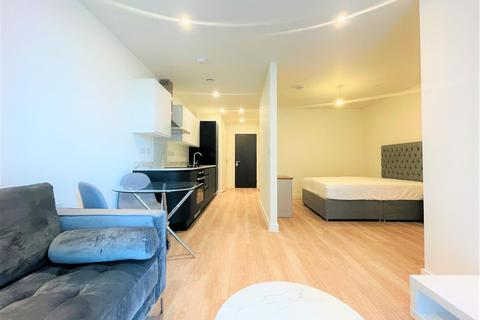 Studio to rent - Laurence Place, 2 New Kings Head Yard, Salford