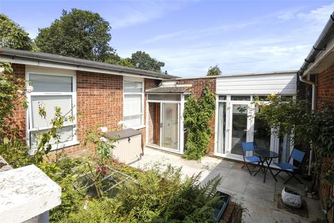 2 bedroom terraced house for sale - Chelsworth Drive, Plumstead, London, SE18