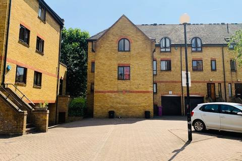 5 bedroom townhouse to rent - Welland Mews, Wapping, London E1W