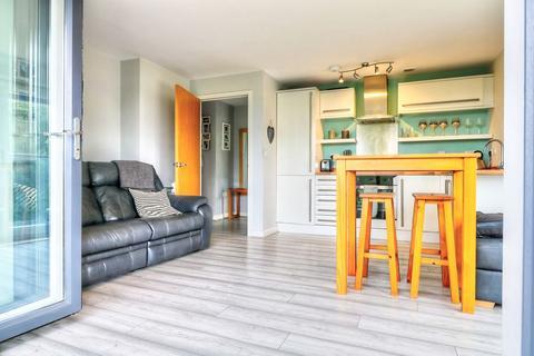 2 bedroom flat to rent - Knostrop Quay, Hunslet, Leeds LS10 1GG