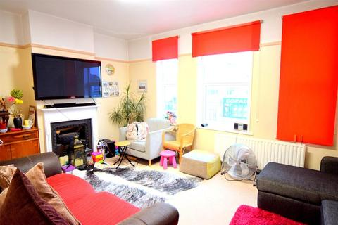 3 bedroom flat for sale - London Road, SM3