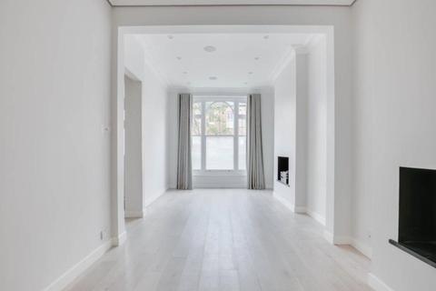 5 bedroom terraced house to rent - Studdridge Street, London, SW6