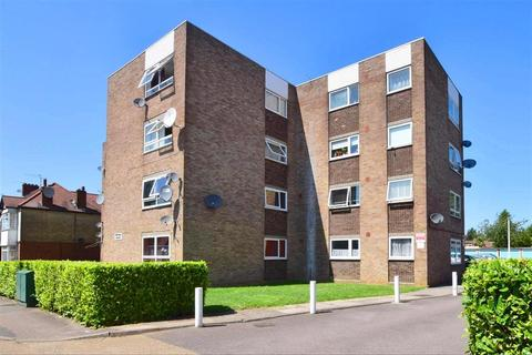 1 bedroom flat for sale - Sinclair Road, Chingford
