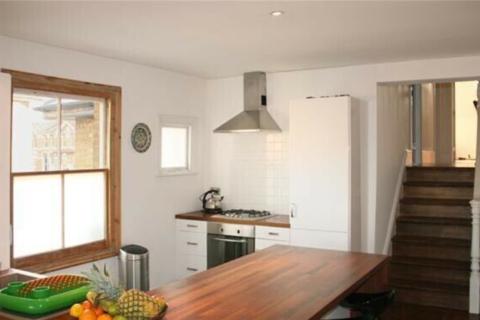 2 bedroom flat to rent - Tierney Road, London