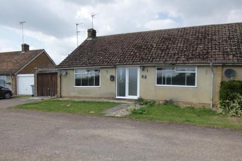 3 bedroom bungalow to rent - Elmwood Bungalow, Black Bourton, Oxon, OX18 2PN