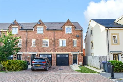 3 bedroom semi-detached house for sale - Robin Road, Goring-By-Sea, West Sussex, BN12