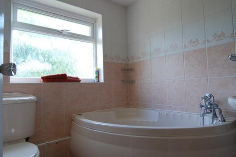 4 bedroom semi-detached house to rent - Cheswick Drive, Gosforth