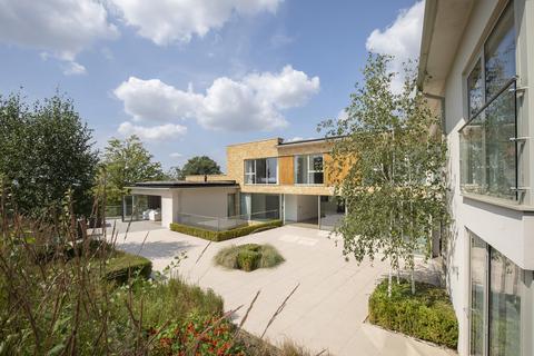 6 bedroom detached house to rent - Birchley Road, Cheltenham GL52 6NX