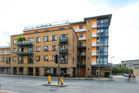 2 bedroom apartment to rent - The Levels, Hills Road