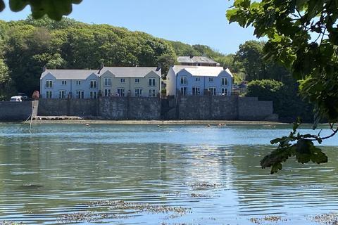 3 bedroom terraced house for sale - Castle Hall Road, Blackbridge, Milford Haven, Sir Benfro, SA73