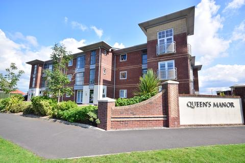 2 bedroom apartment to rent - King Edward Avenue, Lytham St Annes, FY8