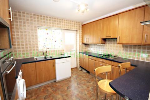 2 bedroom flat to rent - Edgwarebury Lane, Edgware, Middlesex, HA8 8LR