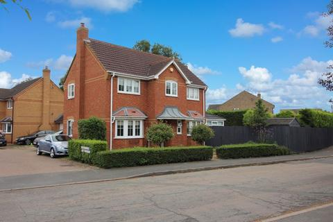 4 bedroom detached house for sale - Louthe Way, Sawtry, Huntingdon.