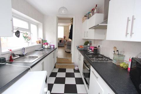 4 bedroom terraced house for sale - Bell Street, Barry