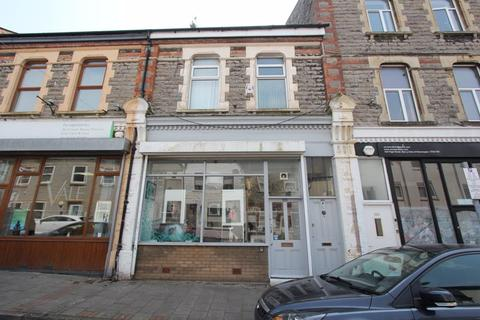 3 bedroom apartment for sale - High Street, Barry