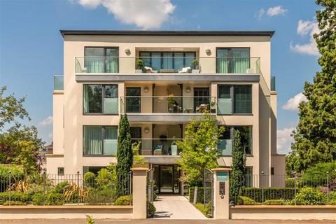 3 bedroom apartment for sale - The Park, Cheltenham