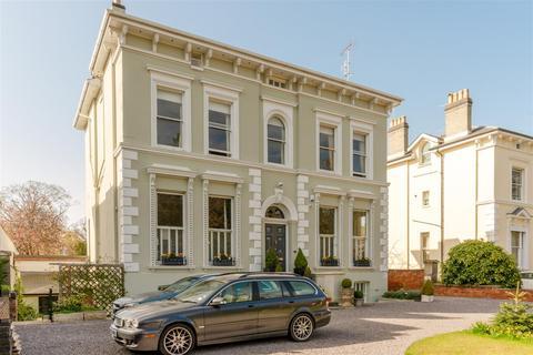 2 bedroom apartment for sale - Evesham Road, Pittville, Cheltenham
