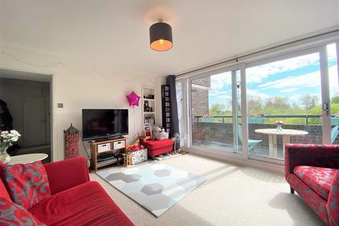 2 bedroom flat to rent - Otho Court, Augustus Close, Brentford TW8