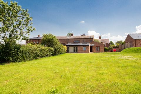 4 bedroom barn conversion for sale - Little Barrow Hall Mews, Great Barrow, Chester