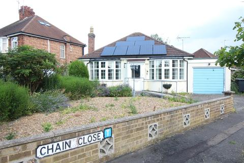 2 bedroom bungalow for sale - Chain Close, Peterborough