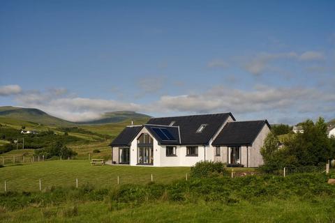 4 bedroom detached house for sale - Bla Bheinn, Annishader, Snizort, Isle of Skye IV51 9XQ