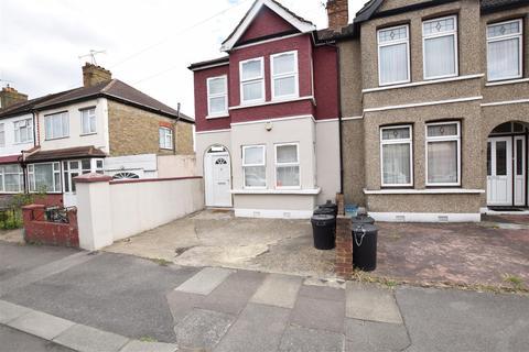 3 bedroom semi-detached house for sale - Hampton Road, Ilford, Essex, IG1