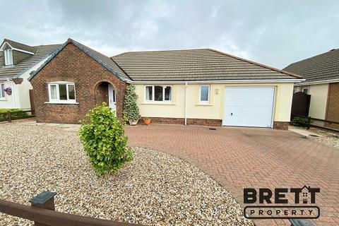 3 bedroom detached bungalow for sale - Gibbas Way, Pembroke, Pembrokeshire. SA71 5JA