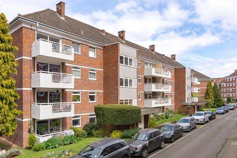 3 bedroom flat for sale - Sandringham House, Courtlands, Sheen Road