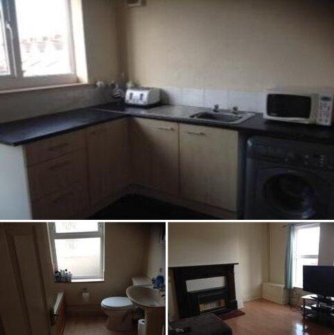 2 bedroom flat to rent - Park Street, Grimsby DN32