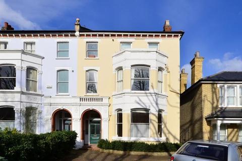 1 bedroom flat for sale - Flat 1, 33 Grove Park, London, SE5 8LG