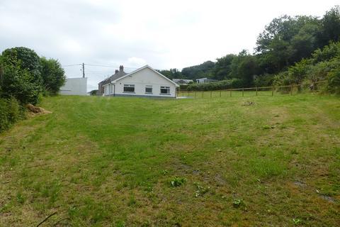 3 bedroom detached bungalow for sale - Wern Road, Garnant, Ammanford, Carmarthenshire.