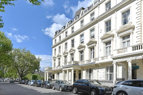 2 bedroom flat for sale - Regents Court, 92 Randolph Avenue, Maida Vale, London, W9