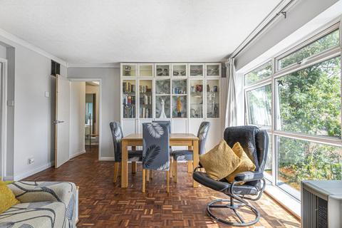 3 bedroom flat for sale - Parkwood, Beckenham