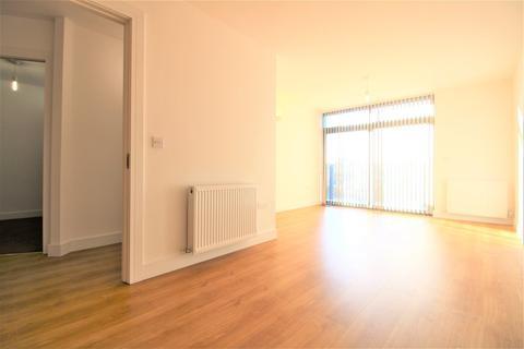 2 bedroom apartment to rent - Darkes Lane, Potters Bar