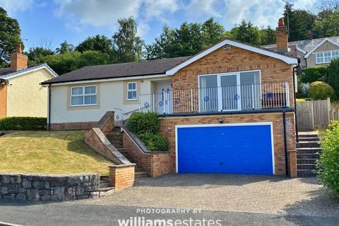 4 bedroom detached house for sale - Llys Y Tywysog, St. Asaph