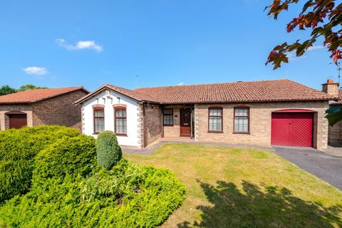 3 bedroom detached house for sale - 19 Burghley Road, Lincoln. LN6 7YE