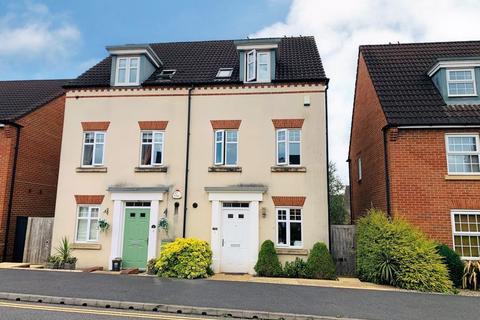 3 bedroom semi-detached house for sale - Collett Road, Taunton