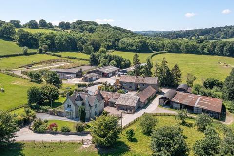 Farm for sale - Kingswood, Kington