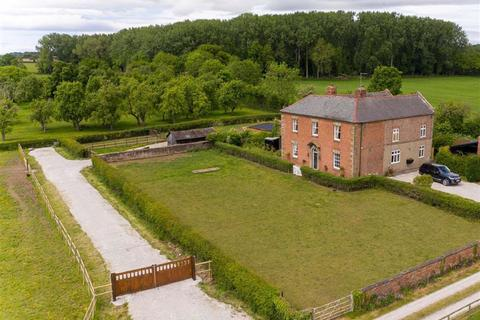 4 bedroom detached house for sale - Buck Road, Commonwood, Holt, LL13