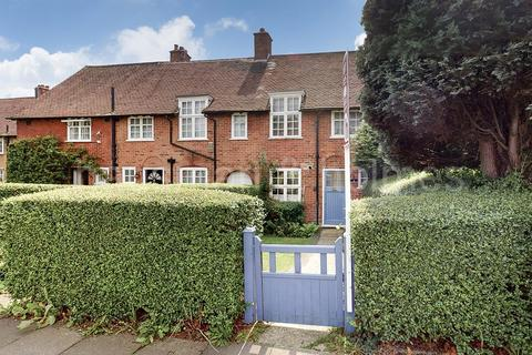 3 bedroom terraced house for sale - Falloden Way, NW11